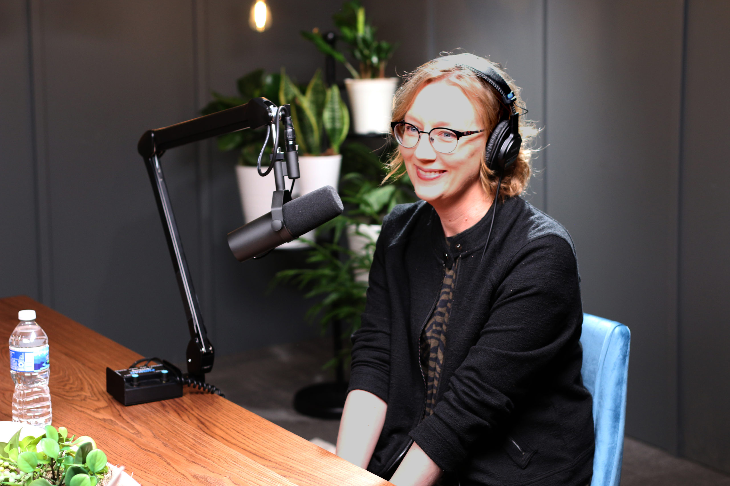 """Interview: All that to Say Podcast, """"Kristin Kobes Du Mez: John Wayne, Gender, and Other Ideas That Shaped the White Evangelical Church,"""" with Jim Lyon"""